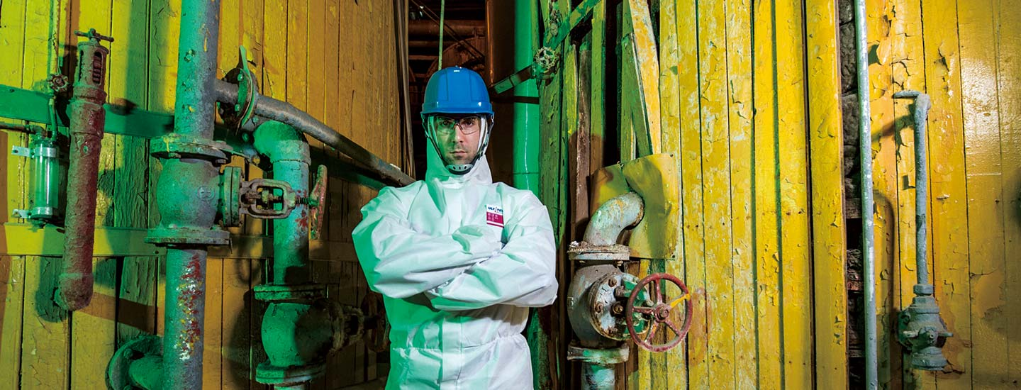 Ultitec disposable coverall 1000 flame retardant for dust and liquid spray protection