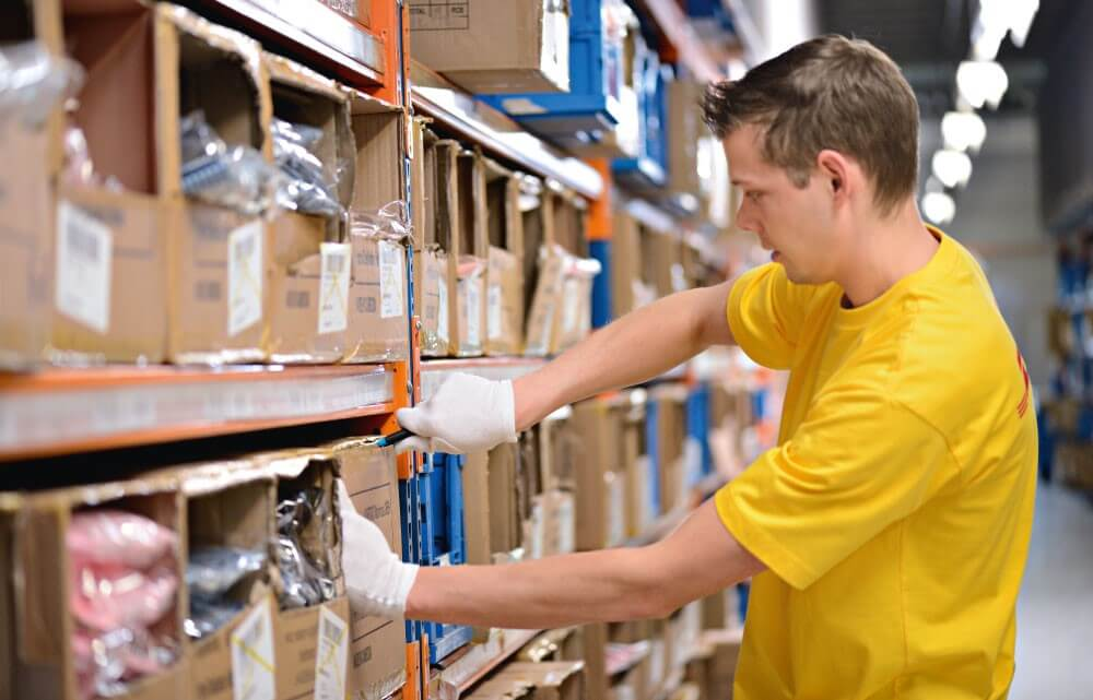 Warehouse safety tips while using safety cutters or utility knives